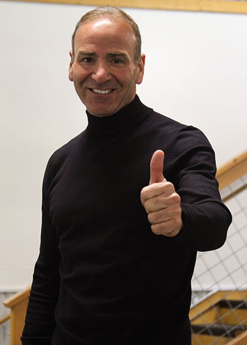 Paul Akers thumbs up